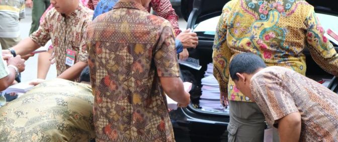 Sharing Concern in Jokowi-Style
