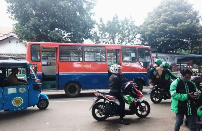 Mencari Solusi Transportasi Konvensional dan Online